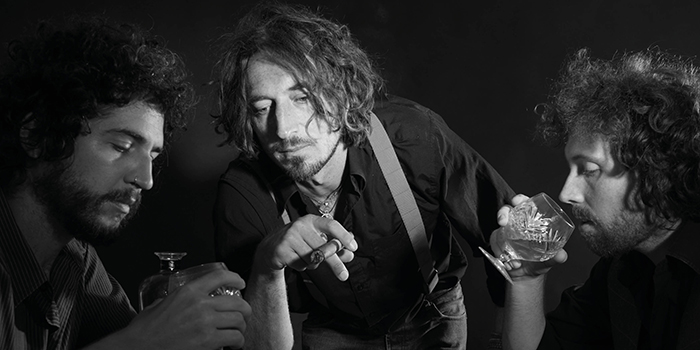 B&W Wille & Bandits photo