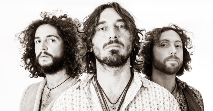WILLE & THE BANDITS B&W photo